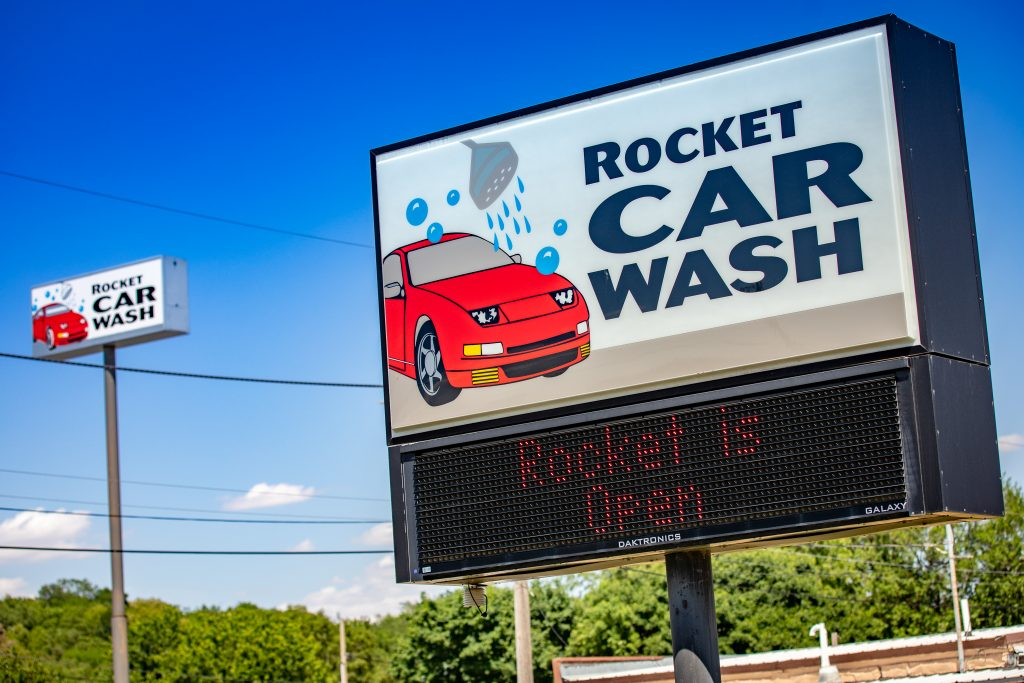 Silverstar acquires Rocket Auto Wash, a full-service car wash in Sioux City, IA. In March of 2021, this site began a remodel to bring a 6th Silverstar Car Wash location to the Sioux City community.